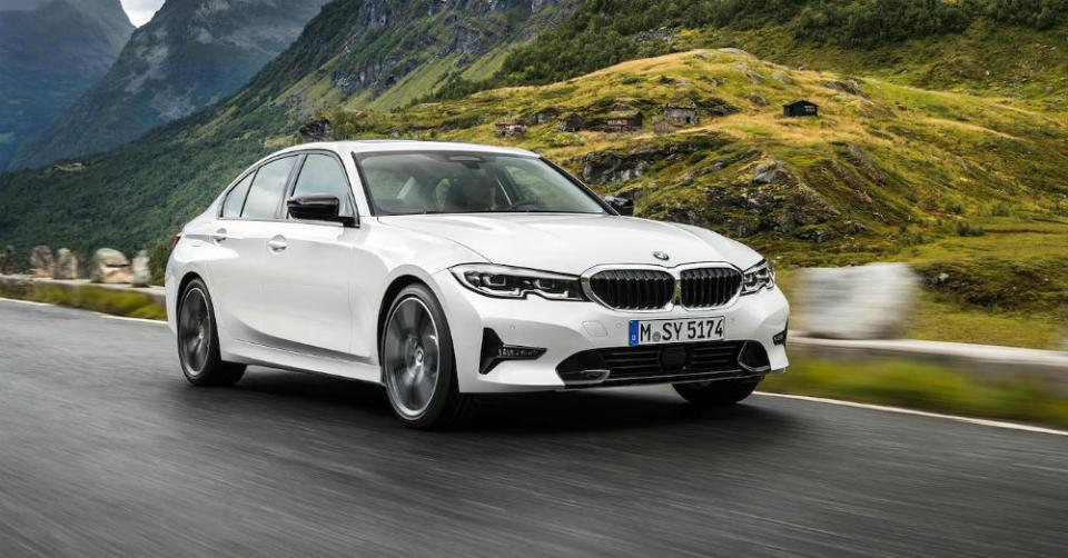 The BMW 3 Series Shows Up with Excellent Power