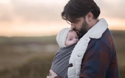 8 moyens efficaces de calmer un bébé qui pleure et de créer et entretenir un bon lien d'attachement