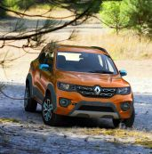 Renault Kwid Climber front three quarter right