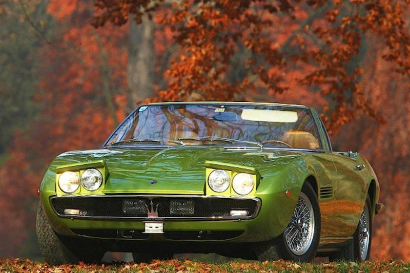 Automóviles con faros emergentes: Maserati Ghibli