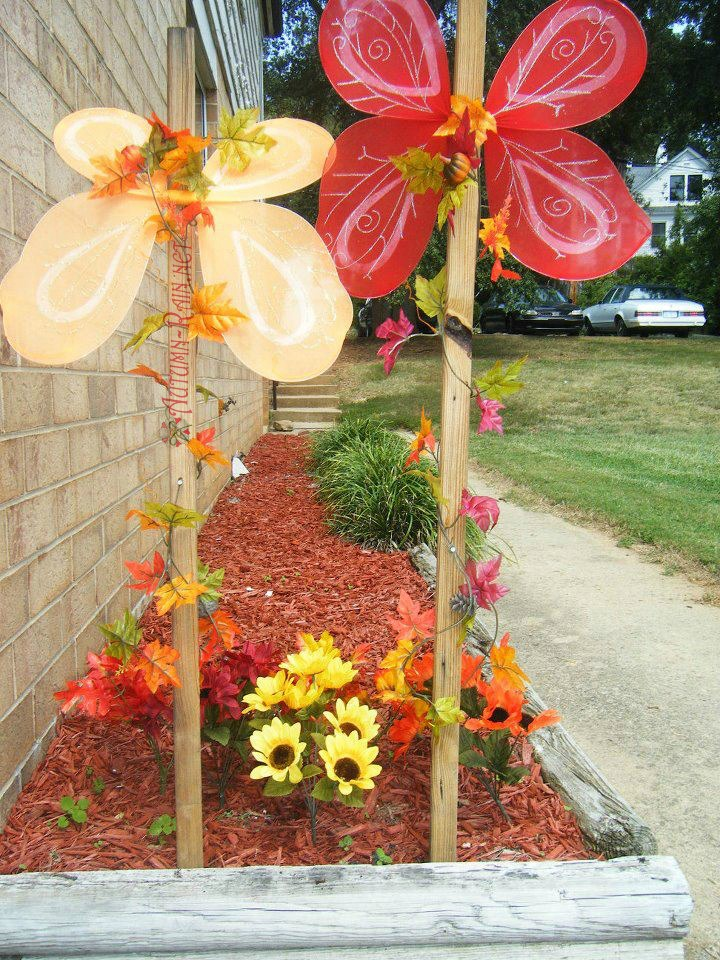BE Society October Writing Challenge 2/31-Fall Decorations