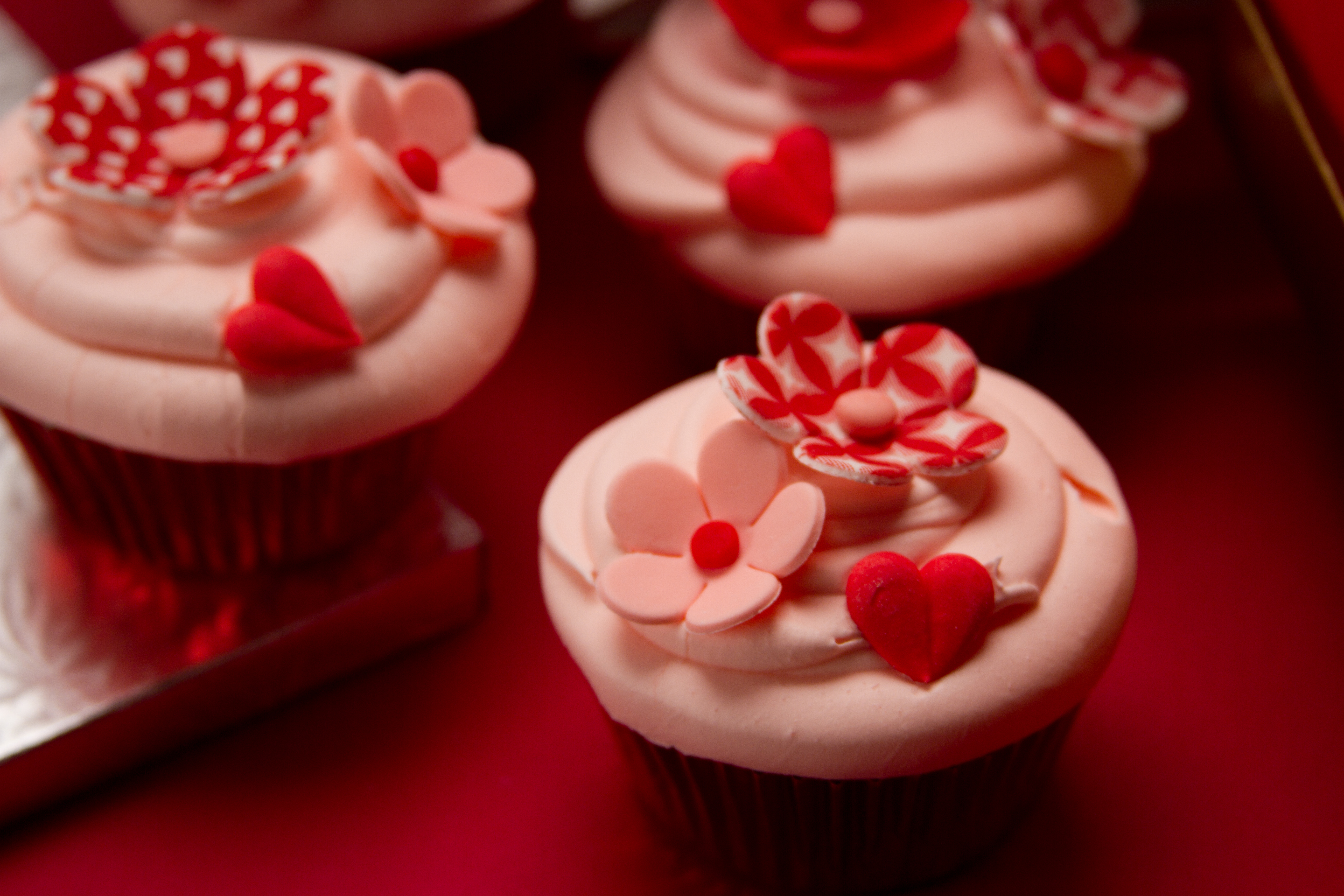 LOVE Blossoms Valentine Theme Cakes Candies And Cookies