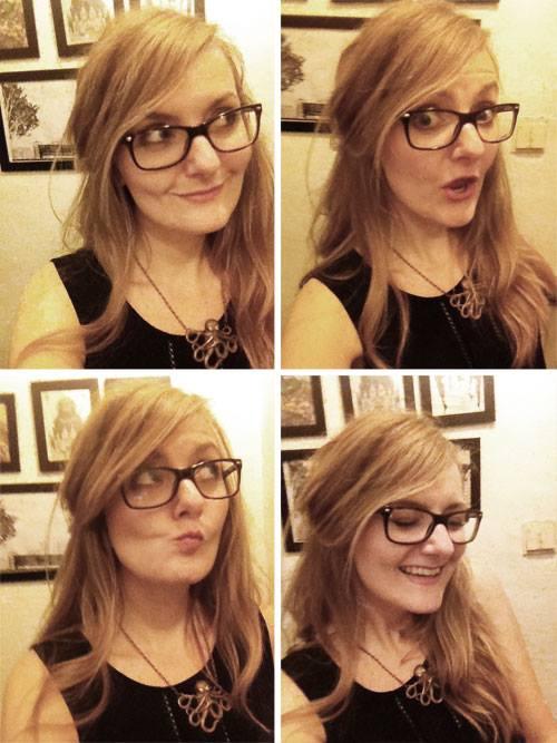 Auch diese Bloggerin trägt Brille. Leider.