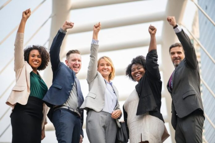 Advantages Of Employee Recognition Awards