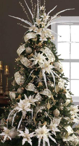 arvore-de-natal-com-flores-brancas