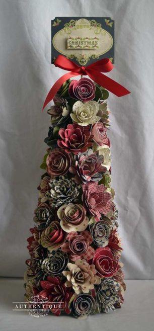 arvore-de-natal-com-flores-de-papel