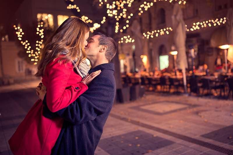 Un baiser innocent lui coûte la vie. Il y a des choses que vous devriez savoir au sujet des allergies alimentaires