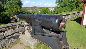 Die Kanonen waren schon Hinterlader und mussten nicht mehr von vorne mit einem Ladestock geladen werden