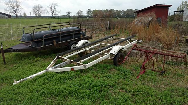 So what did we get at the equipment auction yesterday?  You're looking at the beginnings of two new pastured poultry eggmobiles (trailers), two new raised beds for spinach & greens (cattle feed troughs) and a rake attachment that I'm sure we'll find something to do with. 🤣  Not shown are racks for onion & garlic drying, chicken crates and other small handy items.  We love auctions, almost as much as we love repurposing things to work on the farm. Talk about sustainable!