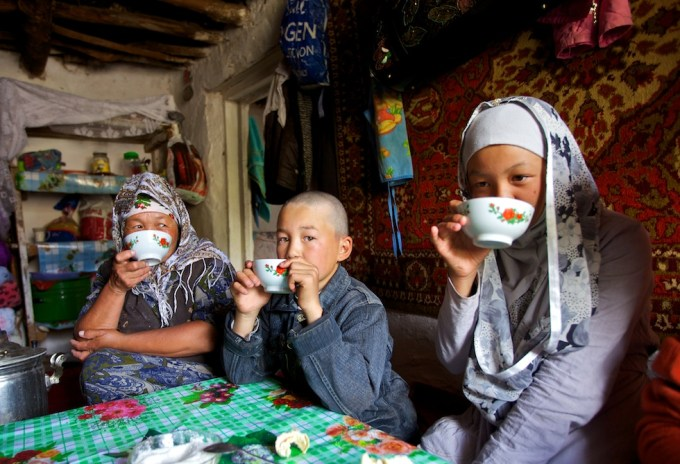 Avannaa with nomads of the Great Silk Road. Photo © Galya Morrell