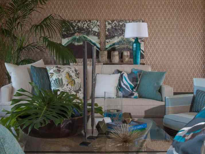 Exceptional Brown and Turquoise Living Spot