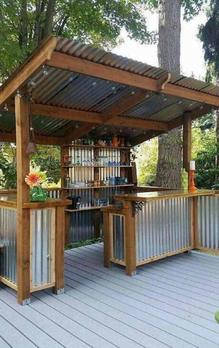 Creative DIY Outdoor Kitchen