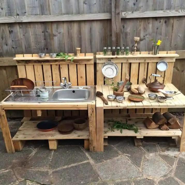 Economical DIY Outdoor Kitchen