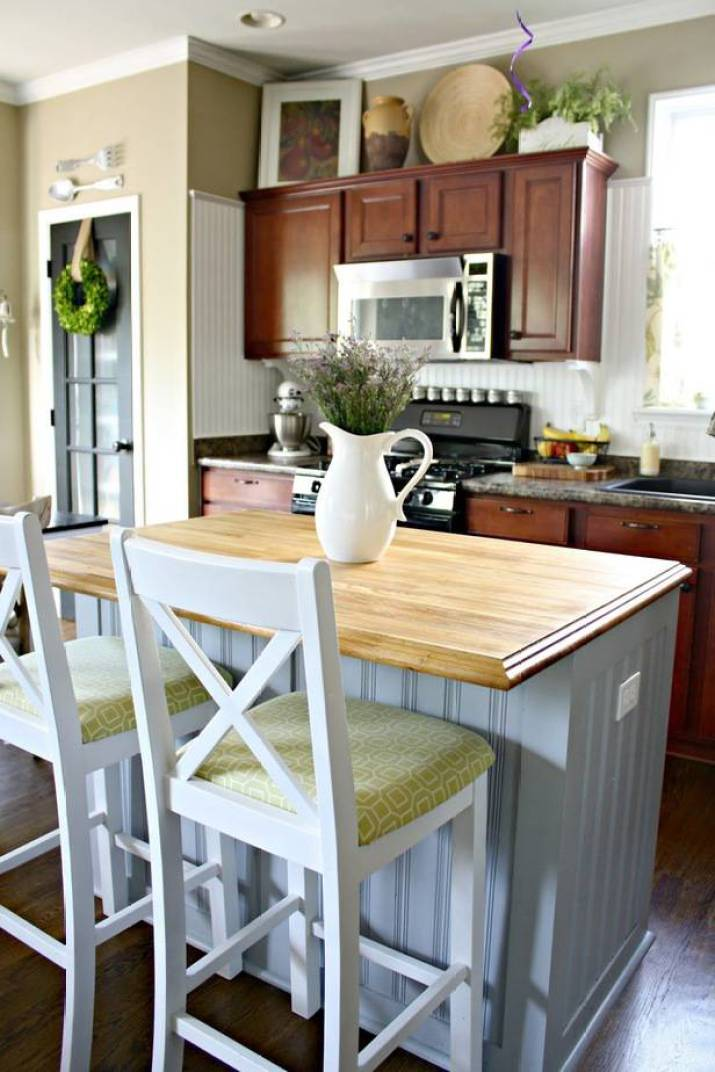 Simple and Cool Beachy Kitchen Island