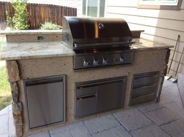 Modern DIY Outdoor Kitchen