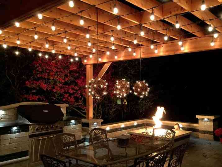 Outdoor Kitchen with Party Lighting Style