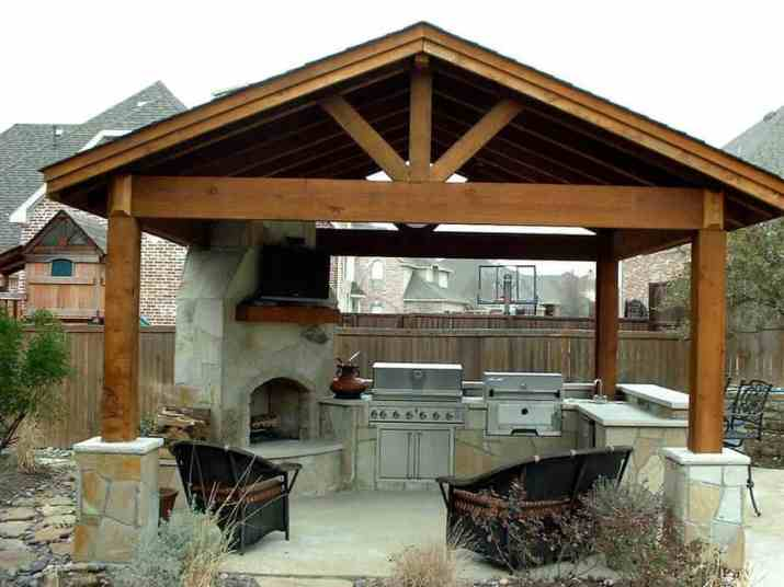 Restful Country Outdoor Kitchen