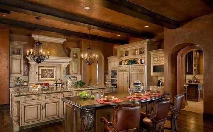 Luxurious Tuscan Kitchen