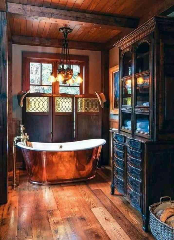 Old-Fashioned Bathroom Baseboard