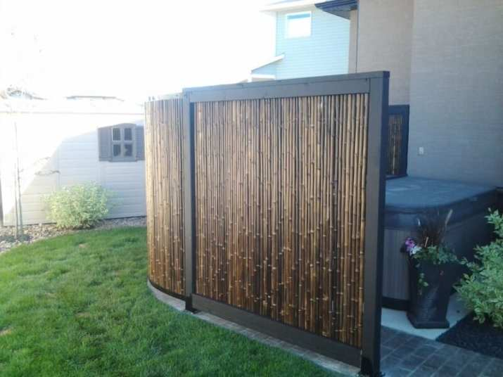 diy bamboo fence outdoor privacy - Hot tub privacy screen made of bamboo