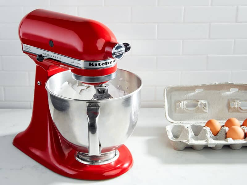 4 Types of Baking Mixers and What to Consider When Buying a Mixer