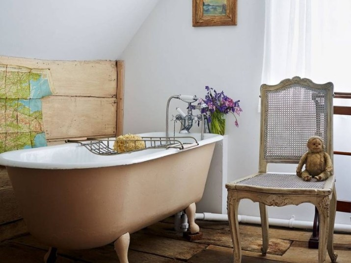 15 Country Bathroom Ideas 2020 (Scene-Stealing Design Inspirations) 11