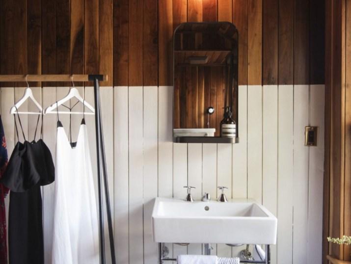 15 White Bathroom Ideas 2020 (Simple yet Elegant) 15