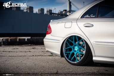 f410-mirror-turquoise-mercedes-e350-wheel-rear