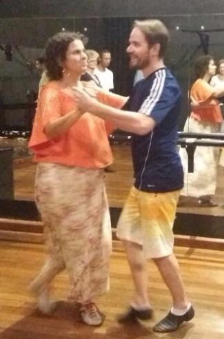 Fernanda (grávida) com Ronaldo (professor)