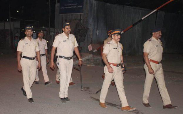 armed-police-team-patrol-powai1