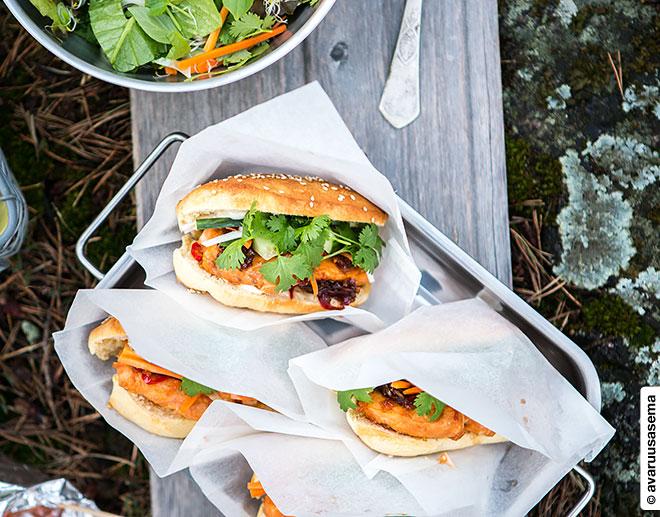 Hot dog -sämpylät, © avaruusasema.com