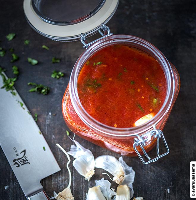 Tomaattikastike pizzalle, © avaruusasema.com