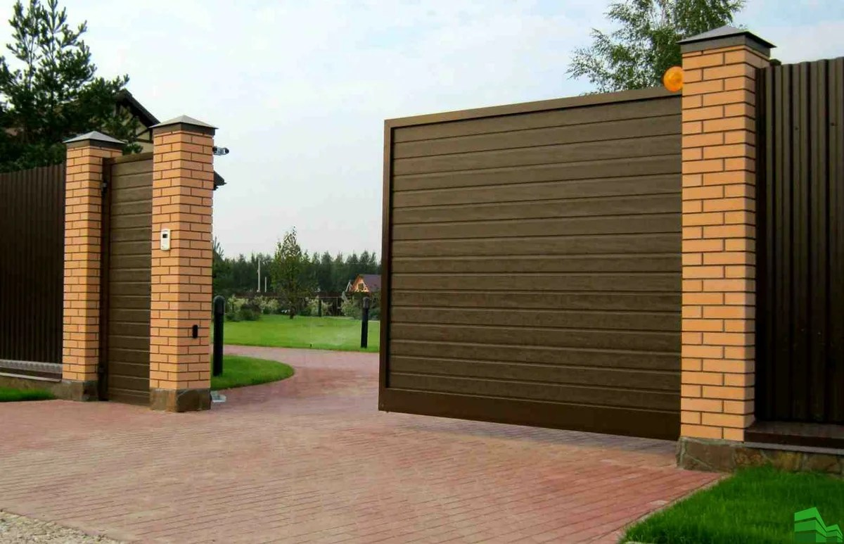 Sliding gates. Step-by-step instruction for self-installation