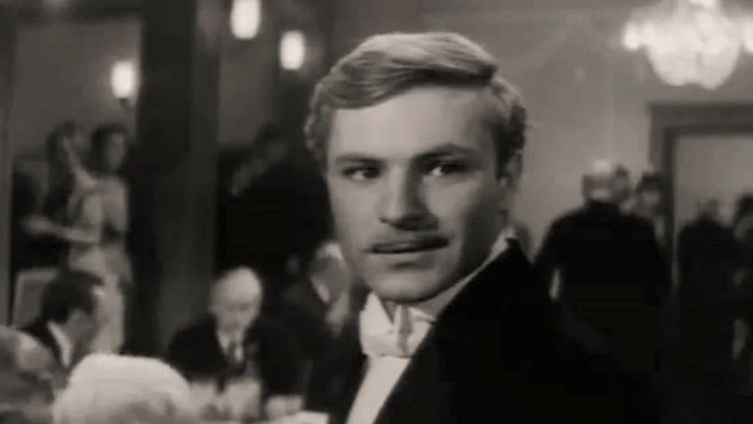 """Rodion Nakhapetov in the film """"Password is not needed"""" (1967)"""