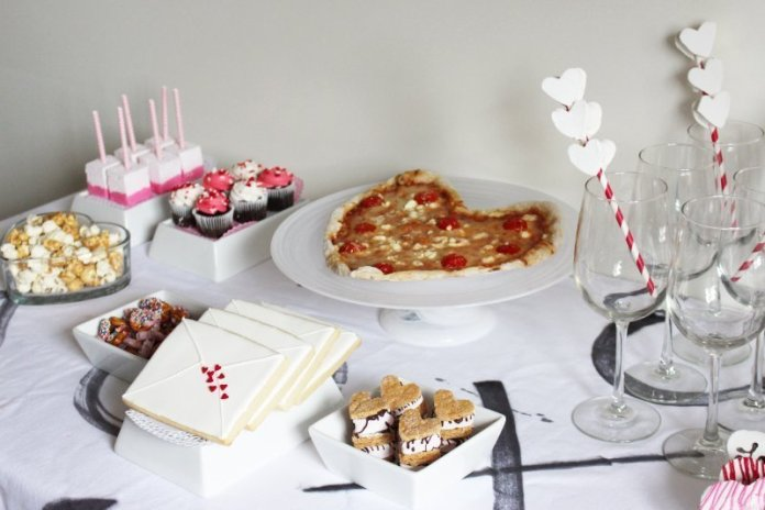 Cheers To Good Friends! A Valentine's Day Party Tutorial! 9