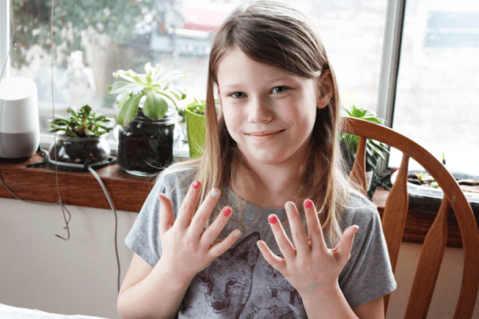 Add Sparkle With Num Nom Toys Nail Polish & Lip Gloss Giveaway 4