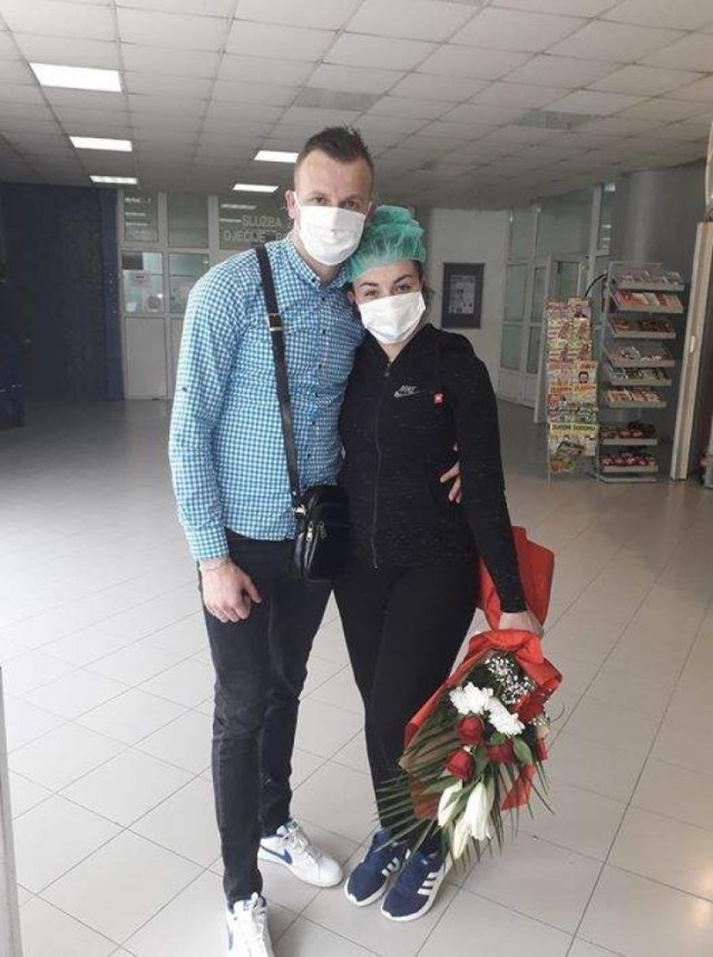 Eminin izlazak iz bolnice nakon 31 dana - Avaz, Dnevni avaz, avaz.ba