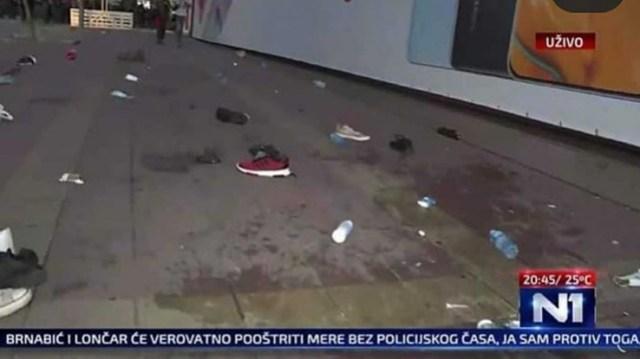 Na ulicama ostala obuća demonstranata - Avaz, Dnevni avaz, avaz.ba