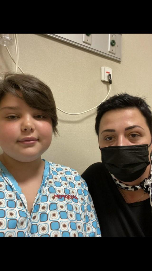 Nadin s majkom Aminom u bolnici u Turskoj