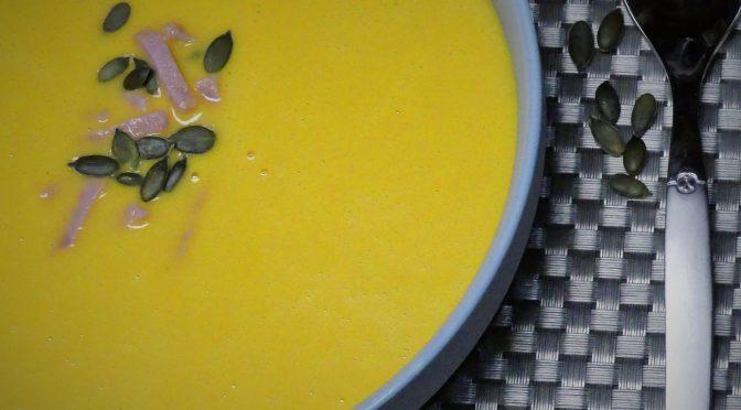 Soupe de patate douce et carotte au jambon