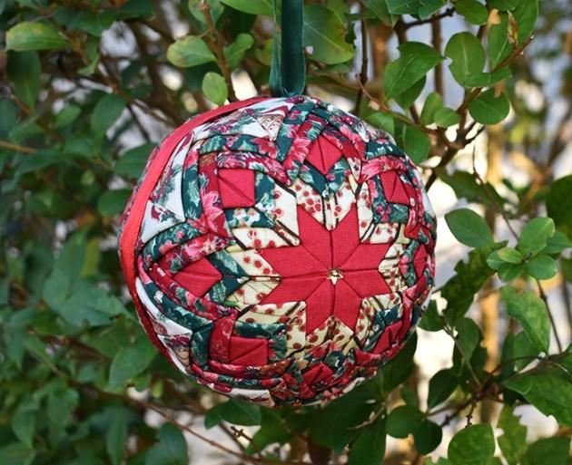 boule-noel-patchwork-polystyrene