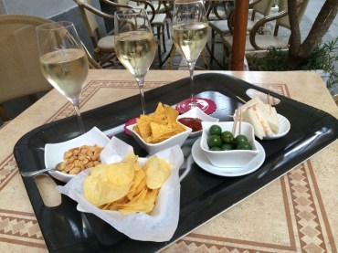 Aperitif time at Bar Piccadilly