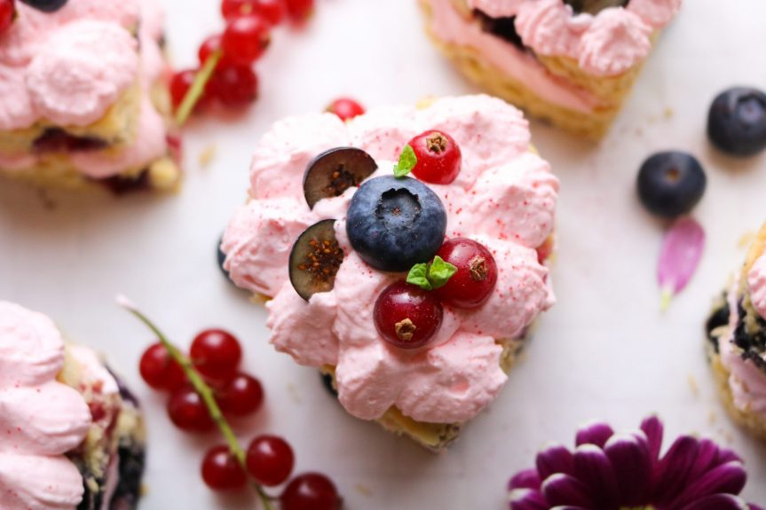 mini cakes close up