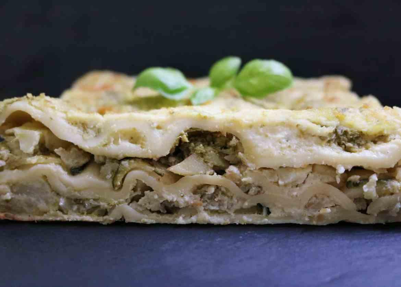 Fragranti Lasagne Bianche al Cavolfiore e Pesto Fatto in Casa