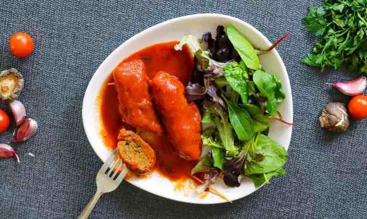 Braciole Baresi Vegan con contorno di insalata