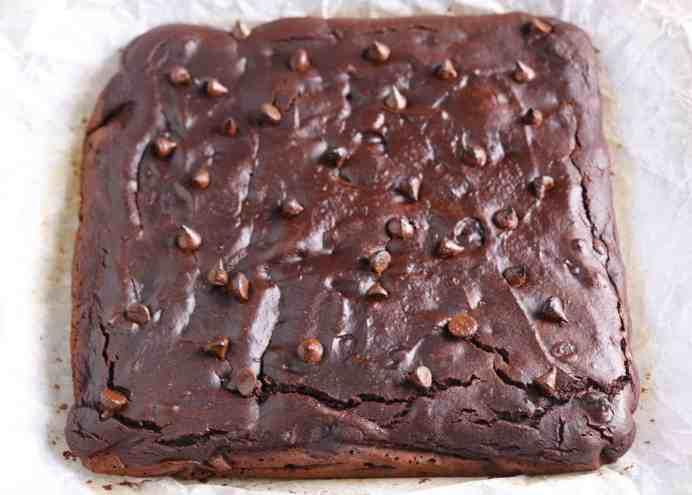 baked vegan gluten free chocolate brownie chocolate chips