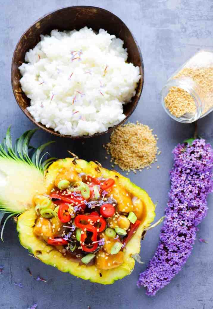 Tofu all'Ananas in Agrodolce con Verdure e riso