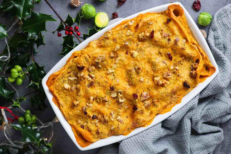 Lasagna Natalizia Vegan con Zucca e Cavoletti di Bruxelles