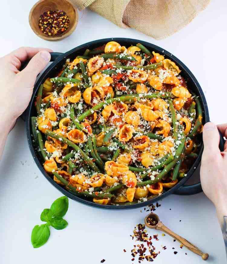 Easy green bean pasta bake