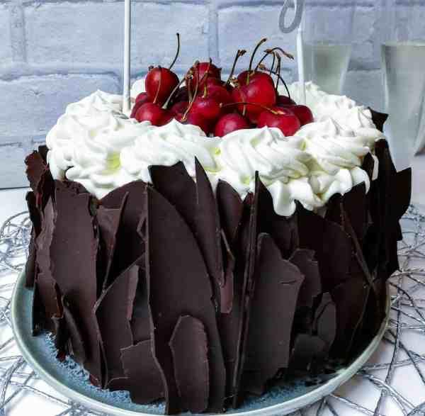 Torta foresta nera vegan